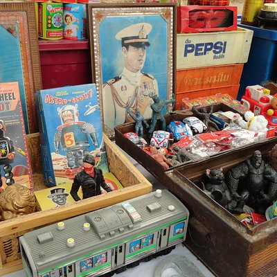 Antique toys and old portraits