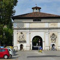 Padova,¨Porta Ognissanti o Porta del Portello