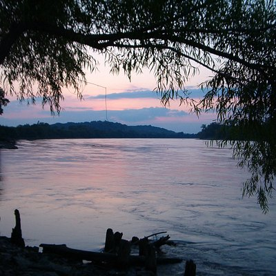 Late sunset on the Missouri River