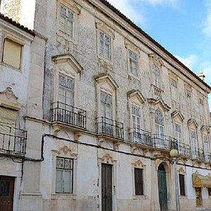 Palácio dos Henriques (Palácio Tocha) (Estremoz)