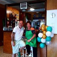 alex and linda owners of tuck inn