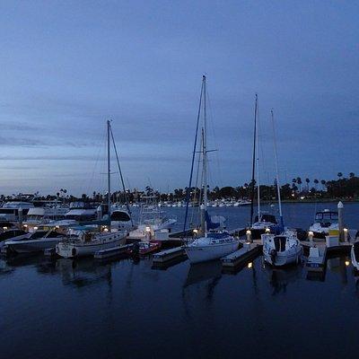 Marina views along the Glorietta Bay promenade