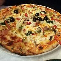 Uma pizza bem suculenta:)