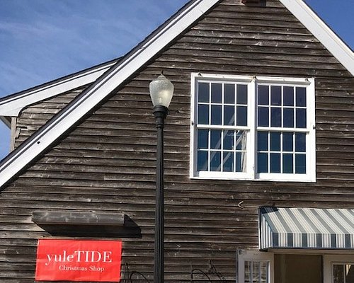 Welcome to yuleTIDE Christmas Shop located in Schooner's Wharf in Beach Haven, NJ.