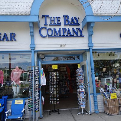 Nice store with all you need for the beach