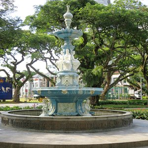 The Tan Kim Seng Fountain - Esplanade Park Singapore (23/Mar/18).