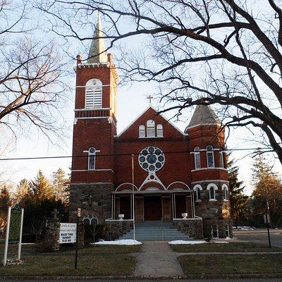 MI-LESLIE-St_C&C_CHURCH-1