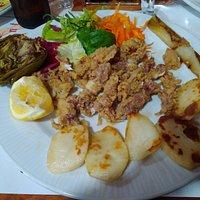 plato combinado de pescado