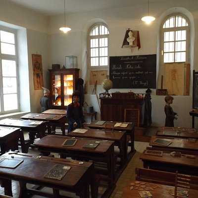 Old schoolroom reconstruction
