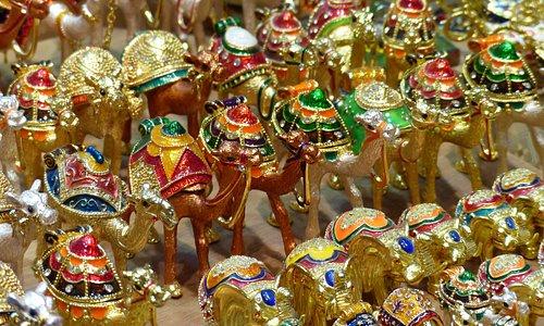 Goldene Kamele als Souvenir