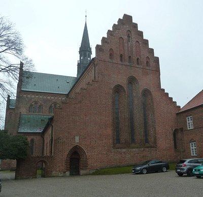 Lögumkloster kyrka