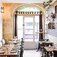 Le restaurant Nofa peut accueillir une vingtaine de personnes.