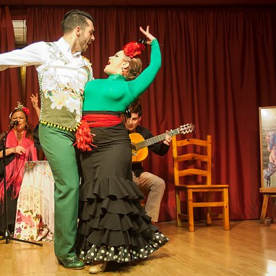 FLAMENKA Fridays 8pm | Viernes 20h @ Torremolinos · www.flamenka.es · info@flamenka.es