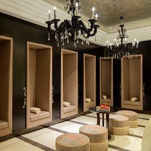 Iridium Spa ladies changing room