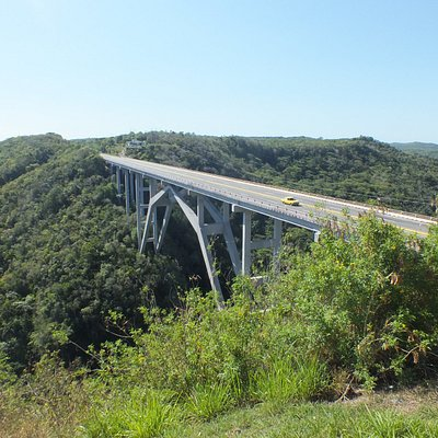 Bacunayagua Bridge between Matanzas and Havana
