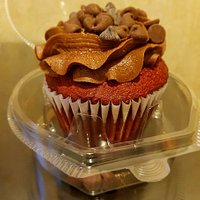 red velvet base cup cake delicious
