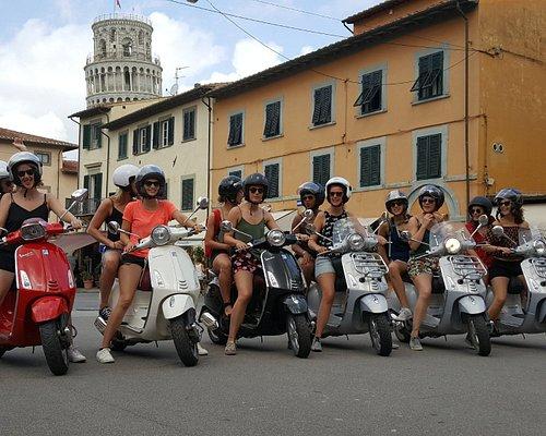 Vespa lady group
