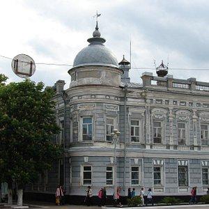 Павловская мэрия. В этом здании находится музей.
