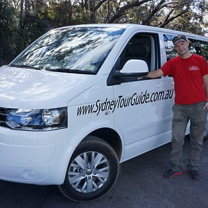 7 seats luxury vehicle for private tours