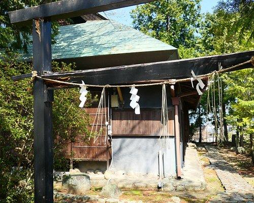 擬古堂。崇徳上皇の住んでいた木の丸殿の雰囲気を模して造られたものですがかなり粗末でした。