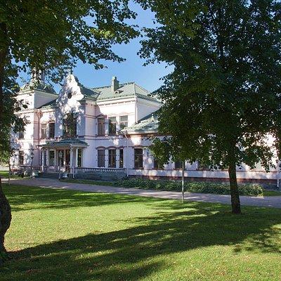 Lahden Kartano, jossa nykyään toimii Lahden historiallinen museo.