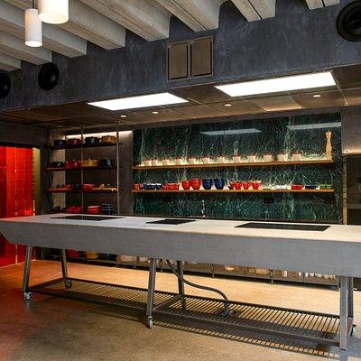 Dos salas completamente equipadas para realizar, talleres, showcookings, master chef o mastercla