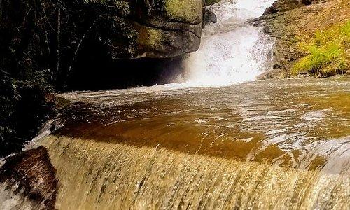 Uma linda cachoeira