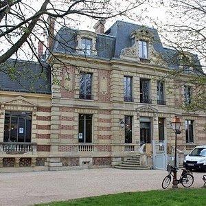 demeure du XIXesiècle abritant l'office de tourisme