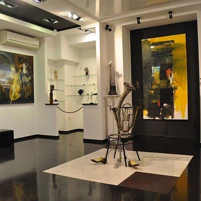 Gala Art Gallery - contemporary art room
