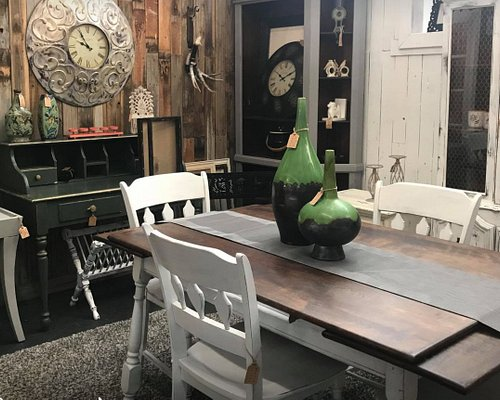 country and shabby chic