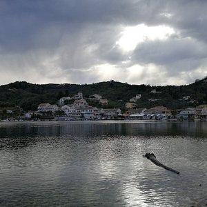 der Ort Agios Stefanos (Start und Ziel von uns)