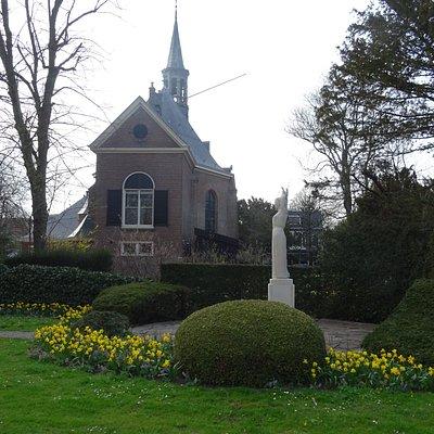 monument naast Tuinpaviljoen Wildhoef