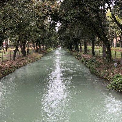 Canale Albani di giorno