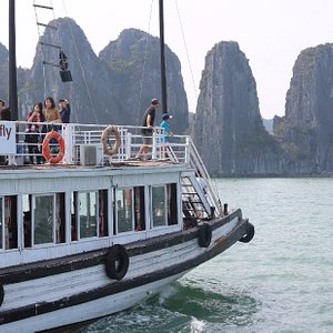 DragonFly Cruise - Halong bay Full day from Hanoi. Join in group/ Small group/ Private group