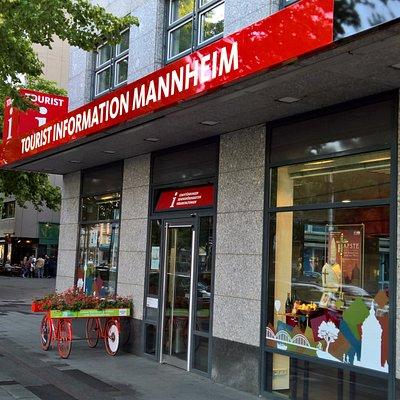 Tourist Information Mannheim - Eingangsbereich am Bahnhofsvorplatz