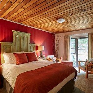 Bridgewood cabin, Arowhon Pines Algonquin Park
