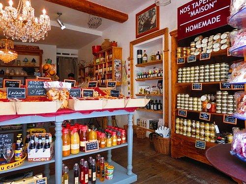 Basilic et Calisson a sélectionné pour vous, des produits confectionnés par nos artisans régiona