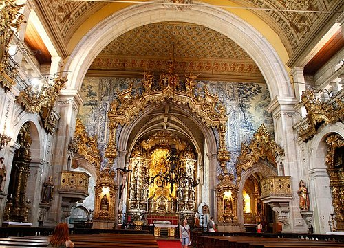 El altar desde la parte trasera