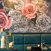 Rosie's Lounge mit Logobild