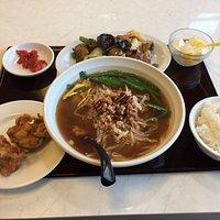 台湾ラーメンとホイコウロウ定食