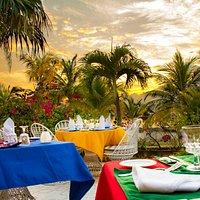 Dinner Settings at Le Vendome Restaurant located at Charela Inn in Negril