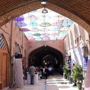 بازارچه عودلاجان کافه گالری صراحی
