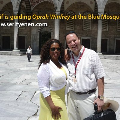 Serif Yenen is giving guiding services to Oprah Winfrey at the Blue Mosque