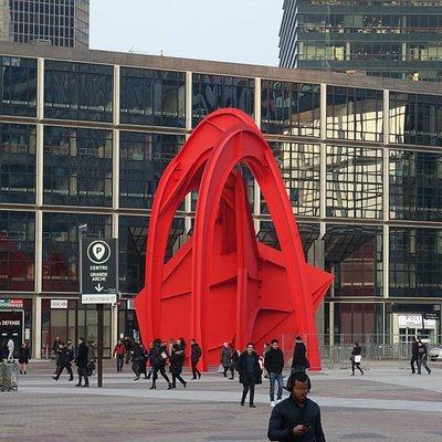Calder red spider   4 Avenue de la Division Leclerc, 92400 Puteaux