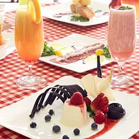 The spacious restaurant offers carefully selected menu of popular Italian dishes for dinner.