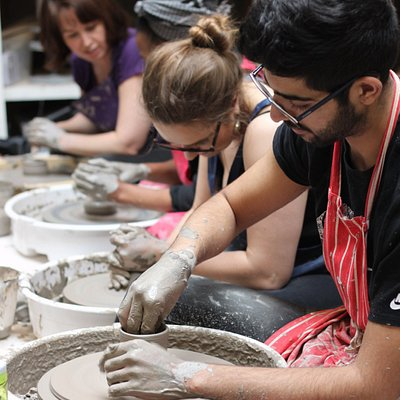 POTTERY THROWING CLASS