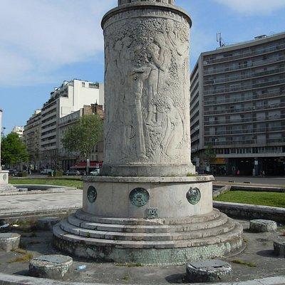 Une des deux fontaines