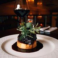 Под ваше блюдо сомелье поможет подобрать идеально сочетающееся с ним вино