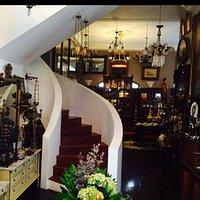 Villa Royale Antiques & Tearoom