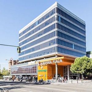 Vista del centro comercial desde la Avenida de la Albufera